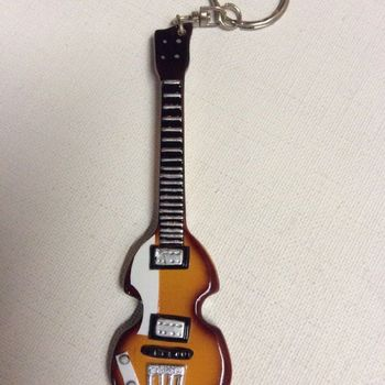 Sleutelhanger - basgitaar - Paul McCartney - The Beatles A