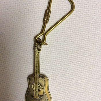"""Sleutelhanger - folkgitaar - """"brons"""""""