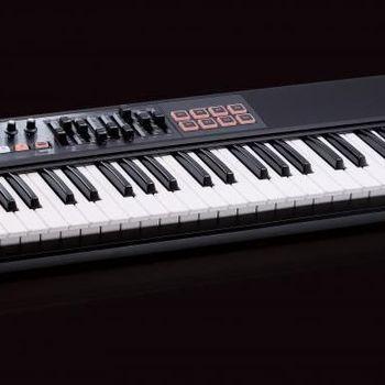Roland A-800 Pro-R