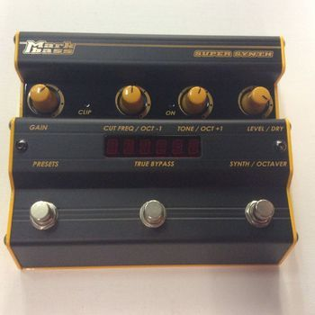 OUTLET - Markbass Super Synth met USB aansluiting