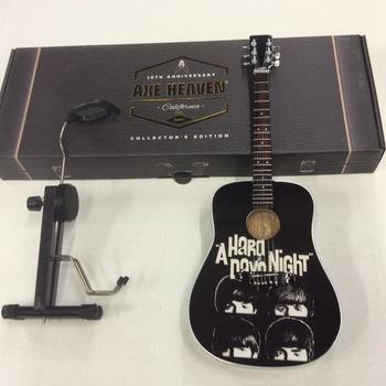 Miniatuurgitaar - The Beatles - A Hard Day's Night
